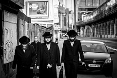 Chassidic jews @ Antwerpen (PaulHoo) Tags: antwerpen belgium people candid streetcandid streetphotography 2017 bw blackandwhite monochrome vignette vignetting chassidic jew religion fashion movie starring portrait street urban citylife nikon d700 contrast light