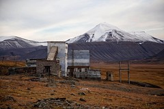 Grumant to Coalsbay (Off-Limits) Tags: abandoned svalbard spitsbergen ghosttown cccp ussr