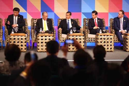 Presidente Ollanta Humala participó en diálogo de líderes con los representantes del Consejo Consultivo Empresarial de APEC (ABAC) en Filipinas