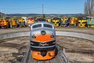 Streamliner B61 posing with its peers (2016)