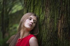 La dama del bosque (Jose Cantorna) Tags: ahinara bosque retrato nikon d610 nature tree green girl chica people