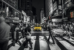 Taxi NYC (∤ Esther ∤) Tags: sky city street travel night light buildings urban architecture cityscape lights ny building black white usa canon skyline new york streets manhattan 24mm photography