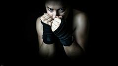 Meike... (lichtflow.de) Tags: canon eos5dmarkiii festbrennweite kunstlicht meike portrait studio ef35mmf2usm frau woman sport boxing boxen lowlight lichtflow lowkey look blick wow augen eyes