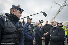 Déplacement du Ministre Bruno Le Roux au centre d'accueil de réfugiés à Ivry sur Seine (Ministere de l'Intérieur) Tags: ivrysurseine france visite centre accueil réfugiés rencontre salariés fondation emmaüs solidarite 16012017 2017mint0055