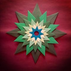 Stella veneziana - RETRO - Paolo Bascetta (Stefano Borroni (Stia)) Tags: origami piegarelacarta foldingpaper carta origamiart paper origamilove papiroflexia arte modulare bascetta stella star