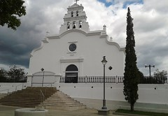Iglesia de San Blas de Illescas (Coamo)  Coamo Puerto Rico  La Iglesia de San Blas de Illescas de Coamo es una iglesia católica parroquial situada en la plaza central de Coamo, Puerto Rico.[1] [2] La construcción de la iglesia comenzó en 1661, desde enton