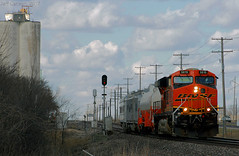 BNSF's GE LNG on the move (Jeff Carlson_82) Tags: bnsf lng eco greenpower green energy pauline ks kansas 5815 tender bnfe 501 testcar canyondiablo kootenairiver signal topekasub train railfan railroad railway burlingtonnorthernsantafe