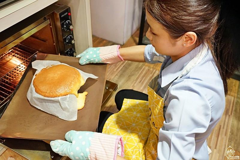 33323743205 9f6643a885 c - 『熱血採訪』 Home.焙實驗所-一起來DIY甜點烘焙,自己的甜點自己做/一中夜市 益民商圈/專人講解、製作教學、做甜點一點都不難,客製化自己動手作蛋糕送朋友最有誠意/
