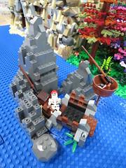 IMG_6853 (LUG Festibriques) Tags: montagne dragon lego exposition fantasy hotdogs jeu caverne fantastique auxerre 2015 scoubidou festibriques