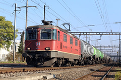 Re 4/4 11284 Pratteln (daveymills37886) Tags: electric sbb 420 cargo class re 44 ffs pratteln cff 11284