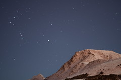 Flattop with Stars (steve_scordino) Tags: anchorage alaska flattop stars night show slowshutter orion winter snow nikon50mm