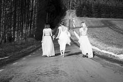 ... soon to be mrs H ... (NygrenPatrik) Tags: fotosondag fs170219 romantik wedding bw bride bridesmaid wife love outdoor