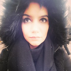 Praha (mayssaradwan1) Tags: photography photo charlesbridge girl woman black selfie colours 2017 xmas europe neige snowyday praha snow anow prague