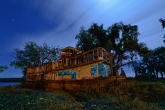 Mamie S. Barrett (Nocturnal Kansas) Tags: night nocturnal nocturnalkansas fullmoon flashlight led1 protomachines boat paddleboat lightpainting nightphotography louisiana