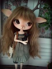 Danielle & the Cat (tama soto ʕ・ω・ʔ) Tags: blackcat kitten doll deer fawn kikisdeliveryservice bjd figurine moca studiosghibli kreamdoll moshimoshistudio mocapinoru