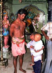 Muthiah Ayyanar Temple, Katchadai, Tamil Nadu (Sekitar) Tags: india temple priest hindu hinduism tamil tamilnadu nadu ayyanar muthiah earthasia katchadai