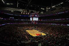 Descanso en United Center (Garimba Rekords) Tags: en chicago pelicans orleans child basket united center bulls deporte leaders nba descanso baloncesto