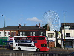 (metrogogo) Tags: bus wheel fair ferris bigwheel spectre jamesbond spectre007