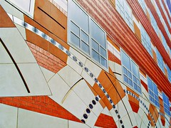 Jacquard Causeway (Isabelle de Touchet) Tags: color building architecture losangeles university geometry samsung ucla shape façade robertventuri westwoodplaza samsungdigimaxa503 venturiscottbrownassociates isabelledetouchet gondagoldschmiedneuroscienceandgeneticsresearchcenter leslieandsusangonda departmentofhumangenetics brainresearchinsititute leeburkhardtliu