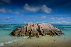 DSC_3221 2 (NICOLAS POUSSIN PHOTOGRAPHIE) Tags: soleil eau sable bleu coco fin vague plage rocher palmier bois seychelle turquoide