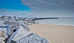 Zurriola (Christian Olivares) Tags: sky espaa beach spain sand playa arena cielo euskadi donostia sansebastin