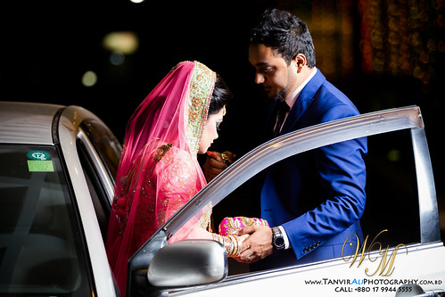 © All rights reserved by WeddingMoments™ | TanvirAliPhotography Call for booking: +880 17 9944 5555