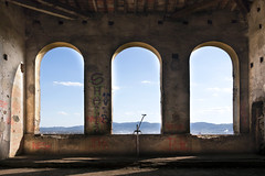 presidentialView (FoKus!) Tags: villa sbertoli ue eu europe urbex explo exploration decay derelict empty unused italy italie italia verlassen ngc