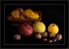 Sacaron los pies del cesto (V- strom) Tags: naturaleza bodegón muerta luz color nikon nikon2470 nikon50mm amarillo rojo negro otoño frutos texturas castañas membrillos granadas