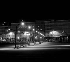 ciudad (galaico) Tags: olympus omd em5mkii mkii zuiko coruña galicia blancoynegro byn bn españa noche nocturna nocturnas