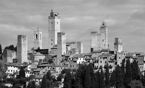 "Torres legendarias / Faros, minaretes, campanarios, rascacielos • <a style=""font-size:0.8em;"" href=""http://www.flickr.com/photos/30735181@N00/32493404436/"" target=""_blank"">View on Flickr</a>"