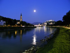 Salzburg by night (Francesco Pesciarelli) Tags: salzburg osterreich austria nightshot moon river monchsberg festung flickr pesha colors life big downloadable mentionmyname varied collection thoughtful colours