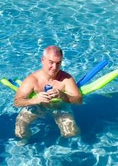 IMG_0904 (danimaniacs) Tags: shirtless man guy swimmingpool