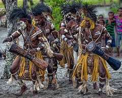 Sing-sing Dancers, Lababia, Papua New Guinea (bfryxell) Tags: dancers papuanewguinea singsing oceania melanesia lababia