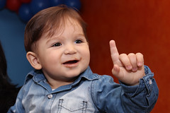 Lucas (HayRamos) Tags: birthday boy baby happy galinha babe bebe bday festa aniversrio menino pintadinha