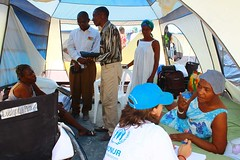 haiti_12 (( Voice Nature. )) Tags: haiti earthquake women staff monitoring visibility naturaldisaster hti idps internallydisplaced fondparisien bjorgvinsson northamericaandthecaribbean