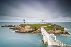 Temporal en el Cantbrico (Pablo Mauriz Photography) Tags: espaa faro puente mar europa galicia litoral lugo roca acantilado orilla ribadeo largaexposicion infraestructura islapancha