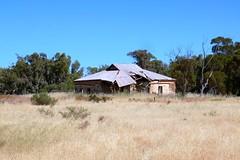 Abandoned farmhouse South Flinders (Con_Pyro) Tags: australia outback southaustralia arid fuij eyrepeninsula gawlerranges xpro1 conpyro
