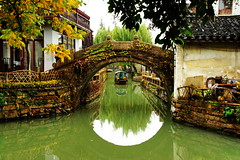 The Venice of Shanghai (sheing.coe) Tags: china bridge water town ancient suzhou shanghai sony oldtown watertown oldcity jiangsu zhouzhuang abigfave nex5 sonynex sonynex5 sel18200le