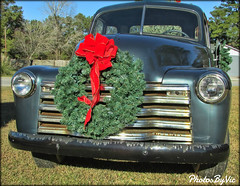 3 Days Till Christmas...Merry Christmas! (Photos By Vic) Tags: christmas old classic chevrolet truck vintage nc antique northcarolina pickup wreath chevy vehicle