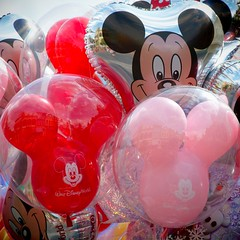 It's all a bit Mickey Mouse (LRO_1) Tags: usa america orlando nikon florida balloon mickey mickeymouse waltdisneyworld magickingdom waltdisney d60 nikond60 camerabag2
