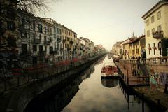 MILANO - Naviglio Grande (alesolofoto) Tags: milano navigliogrande italia lombardia acqua barca boat ripadiportaticinese