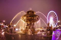 Paris Janvier 2017 - 15 une fontaine gelée Place de la Concorde (paspog) Tags: paris france fontaine brunnen fountain fontainegelée placedelaconcorde frozenfountain janvier january januar 2017 nuit nacht night