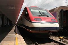 4008 (yann.train) Tags: électrique train gare estacio santa apolonia lisboa lisbonne station bahnhof railway rail hightspeedtrain pendulaire pendular 4000 4008 cp alfa comboios