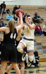 Hanna Cavinder - Gilbert Basketball - 1471 (AZDew) Tags: 20162017highschoolbasketball basketball desertridgegirlsbasketball gilberttigers girls girlsvarsity hannacavinder0 highschool arizona townofgilbert azdew twin sophomore