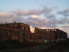 Nottingham London Road - derelict GNR warehouses at dusk (Street.Watcher) Tags: nottingham nottinghamlondonroad station gnr warehouses derelict sunset