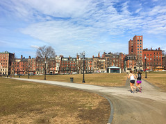Spring time in Boston (ashokboghani) Tags: boston globalwarming bostoncommon winter climatechange joggers
