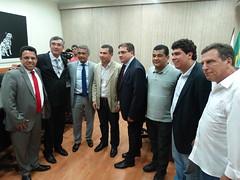 O senador Romário foi recebido por autoridades, na Câmara