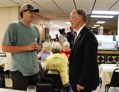 09-28-15 Governor Bentley at Charlie B's in Blount County