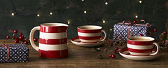 CB8292_ND_LS_RED_XMAS_TABLE_020915_BANNER_MAIN_RET (Cornishware) Tags: christmas red cup coffee lifestyle jug saucer 8oz 20oz 22cl 56cl