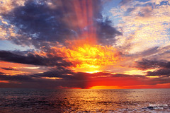 ...boom!!!... (zio paperino) Tags: light sunset sea sky italy panorama sun mer sol beach nature colors clouds atardecer lumix soleil mar agua nikon europe italia tramonto nuvole mare sonnenuntergang coucher playa natura cielo nubes sole puesta acqua sonne calabria spiaggia catanzaro tropea d800 lamezia cosenza naturesfinest amantea falerna cluuds abigfave d800e